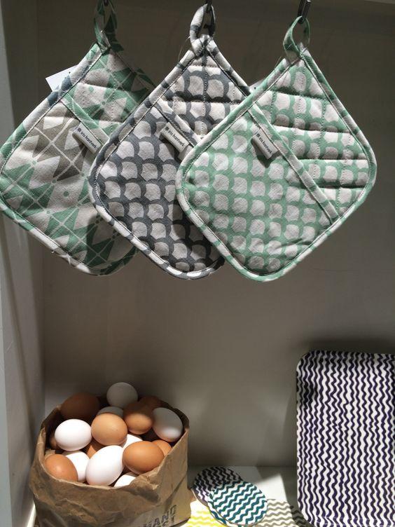 New pattern from Iris Hantverk! Pot Holders!