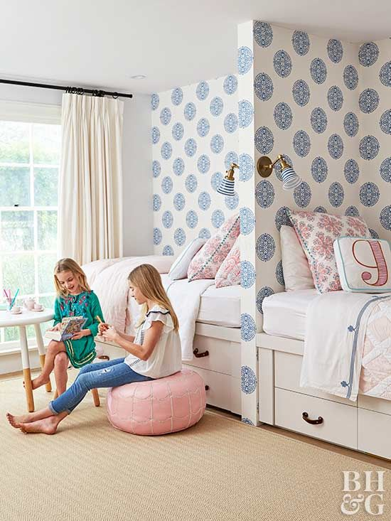 Blue And White Ranch House With Images Girls Room Wallpaper