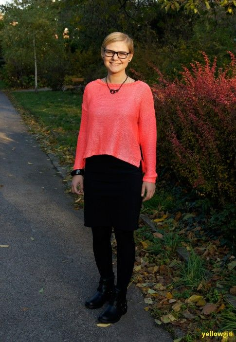 roter lackierter Pullover
