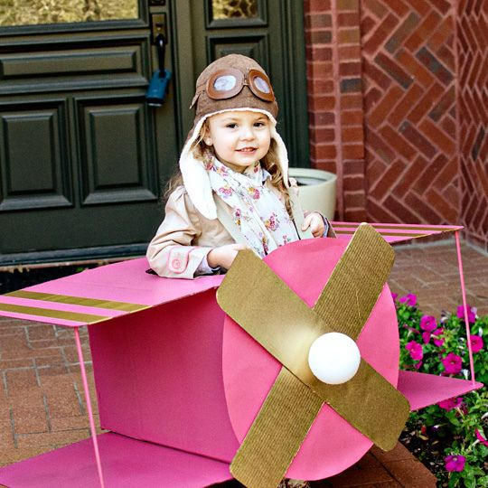 Ohmygoodness! I see this in our near future for K! ~~~ with some adjustments since she isn't big enough to carry it! LOL DIY AIRPLANE COSTUME by Wills Casa, via Flickr