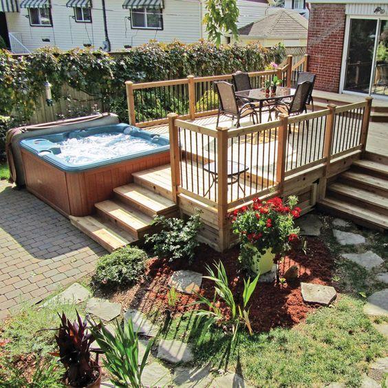 Am nagement avec piscine hors terre et spa contemporain for Cloture pour piscine hors terre
