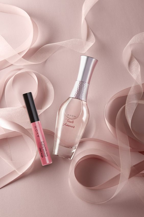 still life, fragrance, perfume, woman, scent, ribbons, lipgloss, lipstick, pink, delicacy