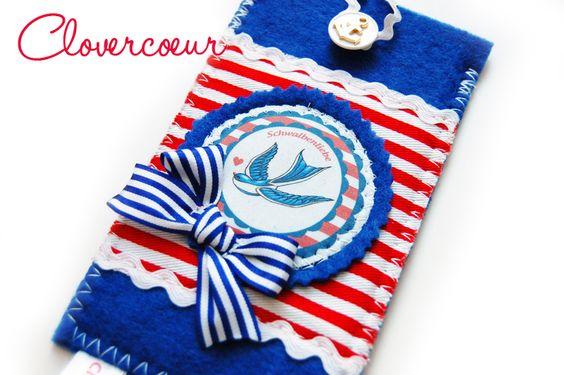 marineblaues Täschchen mit Knopfverschluss für dein Handy, iPhone & Co.   Das Täschchen ist aus Filz genäht. Es schützt dein Handy vor Kratzern. ...