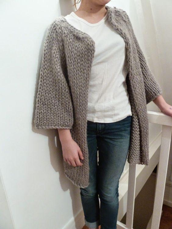 Gilet veste femme tricot fait main t 40 42 par le styliste ODISMAIS TRICOT FAIT