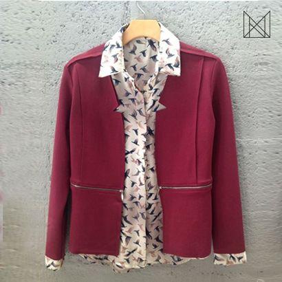 Combinação perfeita para um look casual e descontraído! Blazer corte a fio com camisa estampada.