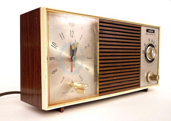 SALE Vintage Clock Radio Clock Radio by SwankyModernRetro ...