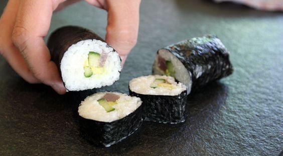 Sushi-Academy für iPhone und iPad - Jetzt kostenlos testen! Die Chefkoch Academy ist deine persönliche Back- und Kochschule. Meister ihres Fachs zeigen dir in vielen Lektionen, wie du anspruchsvolle Küche bei dir zu Hause umsetzen kannst - von den Grundlagen bis zum Expertenwissen.  Mehr Infos unter: chefkoch-app.de