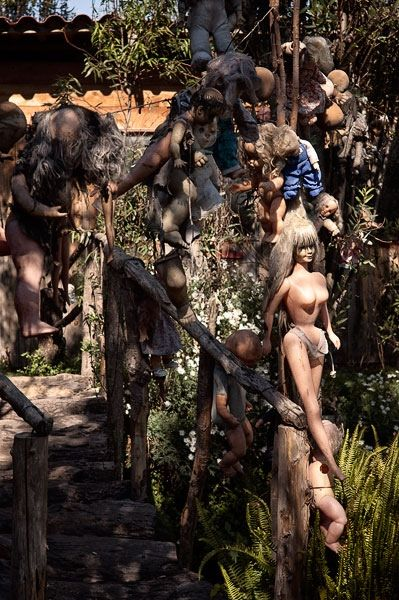 La Isla de las Muñecas (the island of the dolls) is work of one man, Don Julian. In the 1950s, he left his wife and children behind to go and live on the island alone. He had been shunned in his hometown for his religious preaching, eventually turning to alcoholism and finally, bitter at his treatment, resorted to total isolation. He had also developed a bizarre habit of collecting unwanted dolls which he believed warded off evil spirits.