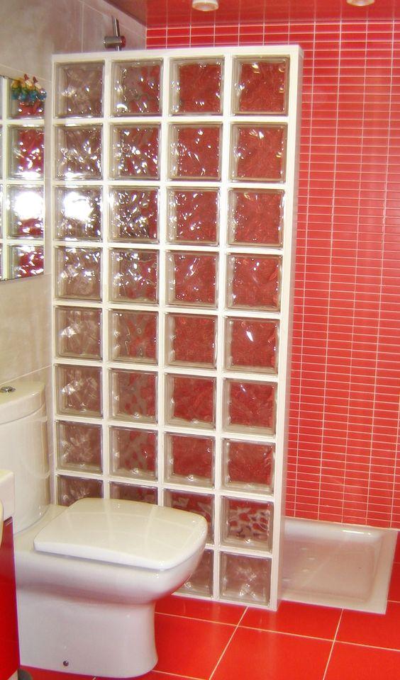 Baño reformado en parets del valles con combinación de blanco y ...