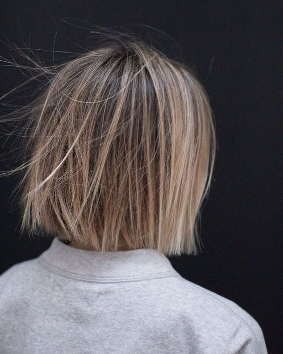 10 Casual Medium Bob Haarschnitte - Weibliche Bob Frisuren 2019 - 2020 - #casual #frisuren #haarschnitte #medium #weibliche - #frisuren