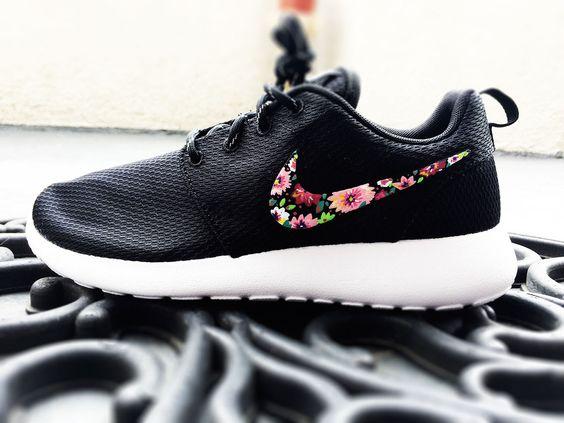 Nike Thea Rosa Bronze