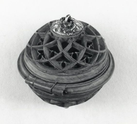Rosary bead or prayer nut boxwood carved opening in two
