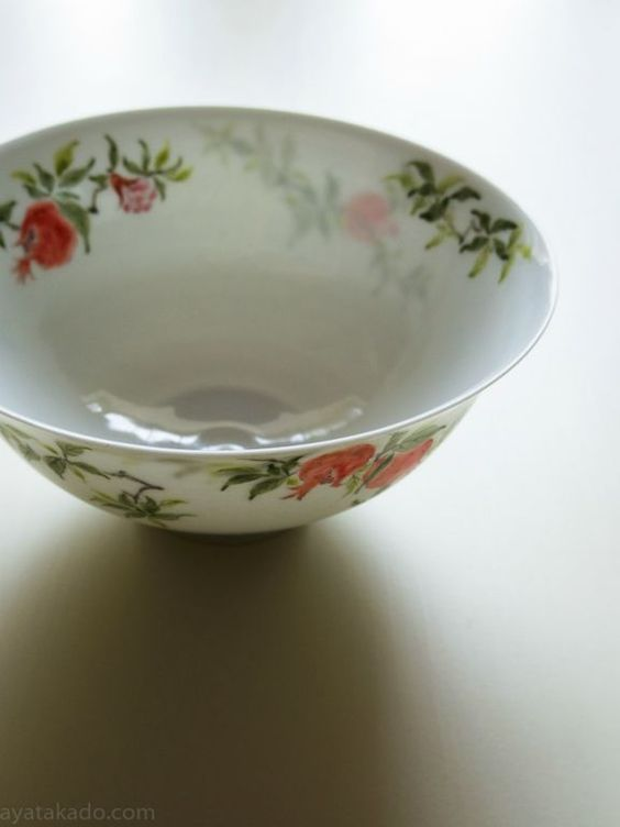 Eggshell porcelain bowl with Dejima style painting by Hirado Tousyo