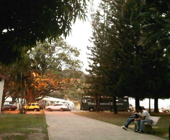 """Universidad Militar. Escuela de Idiomas del Ejercito """"Generalisímo Francisco de Miranda"""" Escuidiomas Fuerte Tiuna. Caracas"""