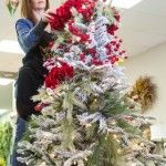 How To Make A Christmas Wreath - Directions From A Pro - Part II - Worthing Court