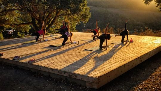 Outdoor Yoga Class Taking Place On Platform Overlooking Robinson Canyon Outdoor Yoga Outdoor Yoga Studio Design