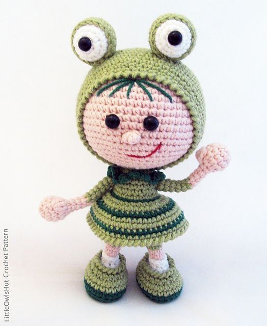 Ravelry: 118 Girl Doll in a frog outfit pattern by LittleOwlsHut