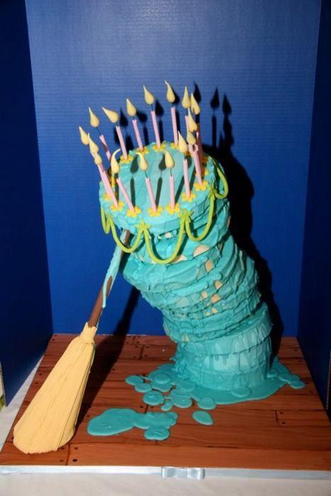 Cake. Me parece muy familiar...mmmmmm....No. Tal vez sea la escoba la que se parece a la mia.