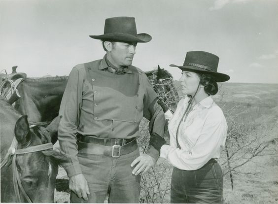 Gregory Peck and Joan Collins in The bravados directed by Henry King, 1958