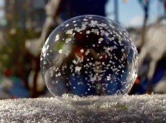 This Is What Happens When You Blow A Bubble In Freezing Temperatures