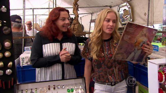 Rosi Campos http://globotv.globo.com/rede-globo/estrelas/t/programas/v/em-passeio-com-rosi-campos-angelica-encontra-vinil-seu-de-89/3231708/