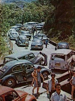 """Anos 60  """"Estrada Velha de Santos""""."""