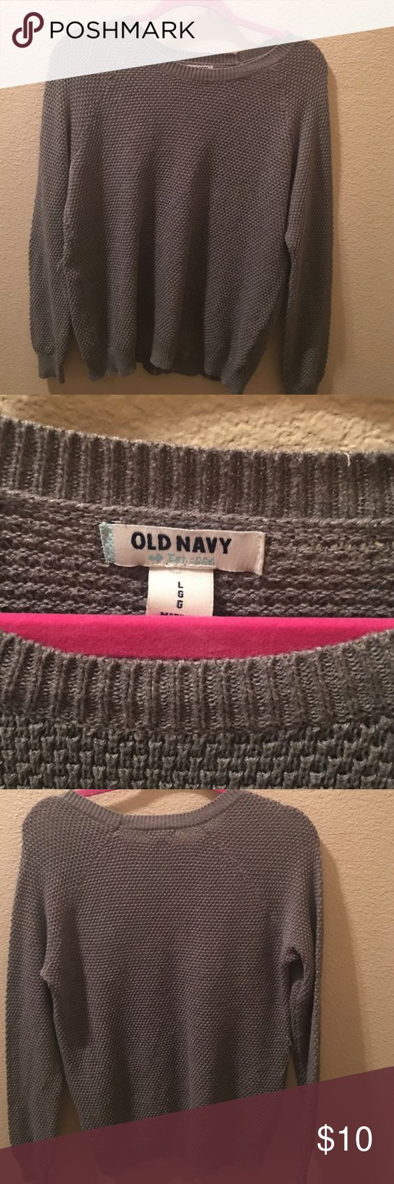 Old Navy Sweater Grey old navy sweater. Great condition Old Navy Sweaters Crew & Scoop Necks