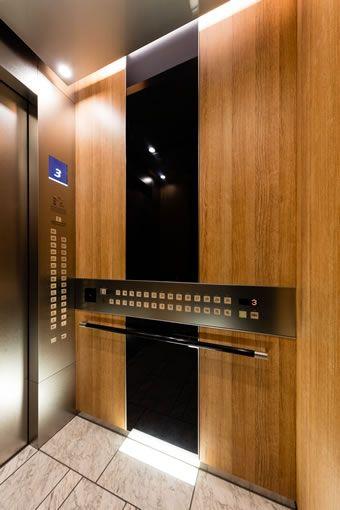エレベーターかご内車いす用操作盤 エレベーター デザイン 店舗デザイン