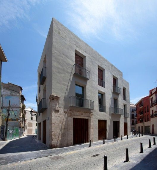 Vivienda-Estudio en El Carmen by Ramón Esteve (Valencia, España) #architecture