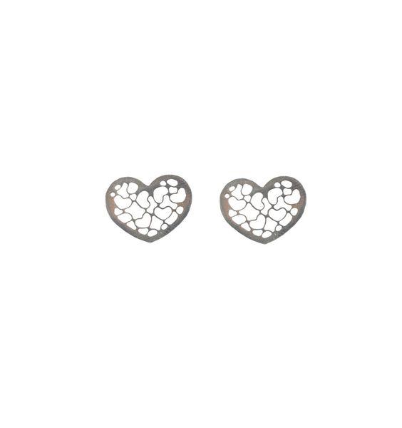 Brinco em prata, em formato de coração