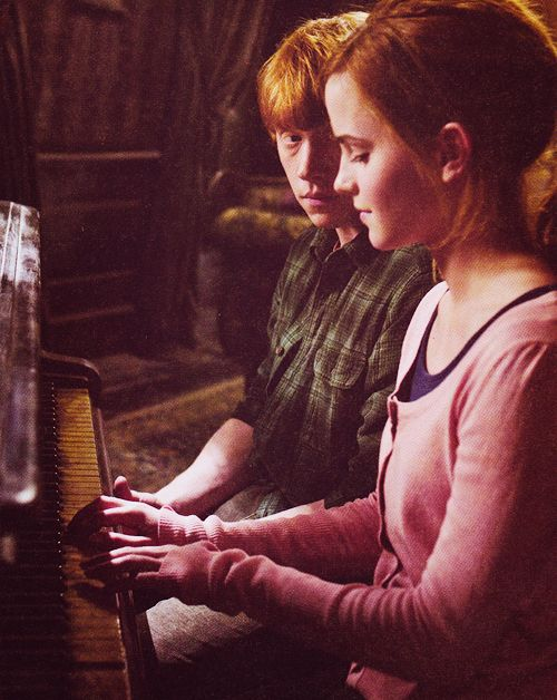 Ron and Hermione so adorable :)