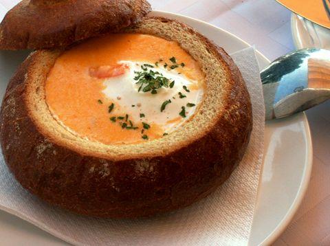 10-minute Thai tomato soup