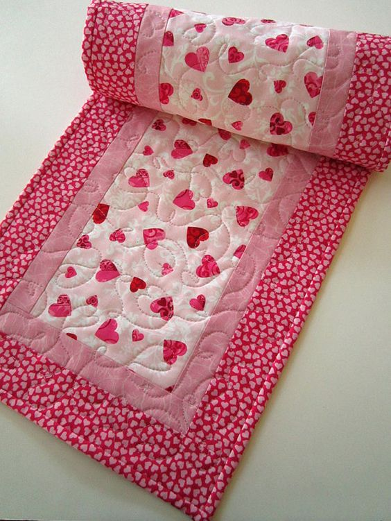 9 Best Be My Valentine Images On Pinterest | Paper Hearts, Table Runners  And Tables