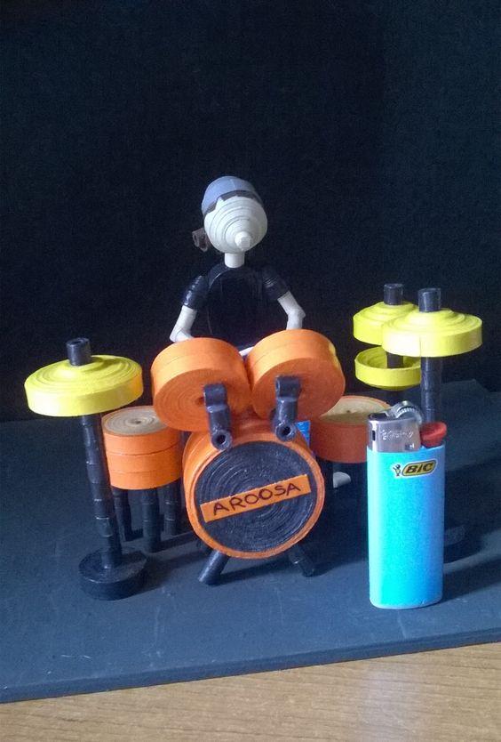 Batterista! Quilling 3D Miniatura fatta con cartoncini colorati http://www.facebook.com/AroosaHandMade