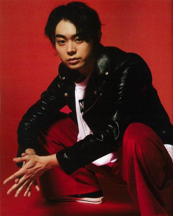 ライダースジャケットがかっこいい菅田将暉の最新画像