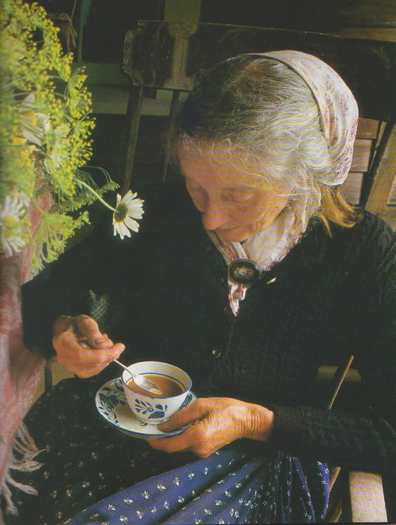 Tea time with Tasha Tudor.Tasha Tudor (August 28, 1915-June 18, 2008) is one of America's best-known and beloved illustrators.  Her first little story, Pumpkin Moonshine, was published in 1938.: