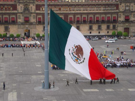 Periodismo sin Censura: 24 de febrero día de la Bandera Nacional Mexicana