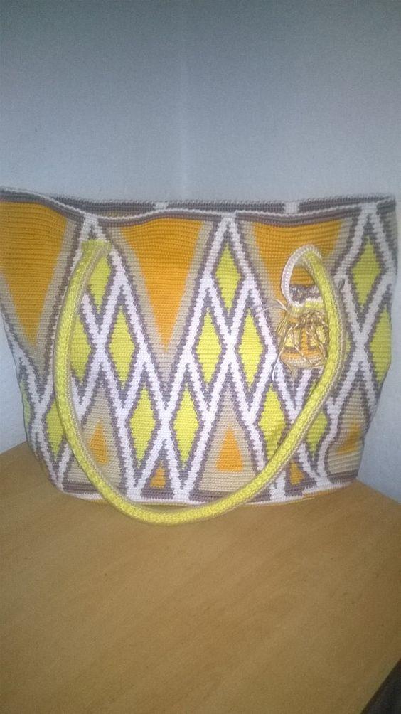 Big (shopping) shoulder bag in diamond print, in Mochila Wayuu style