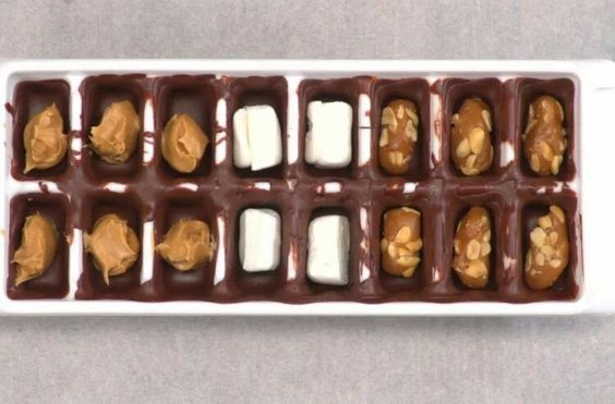 http://tiphero.com/ice-cube-tray-chocolates/
