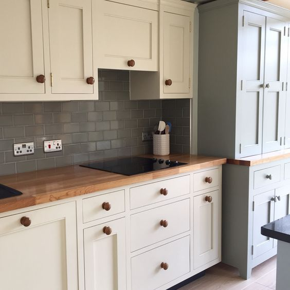Kitchen by Ross Trent Cabinet Maker. Painted in farrow & ball ...