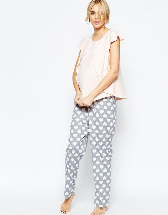 Pijama estampada con corazón