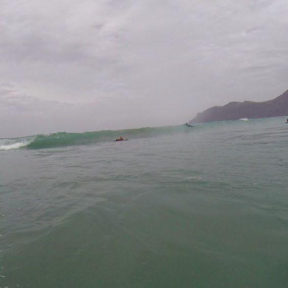 #disfruta del #surfing en #Lanzarote con la #escueladesurf @lasantaprocenter mas #info en http://ift.tt/SaUF9M #surflanzarote #surflessons #surfday #photosurfer #surfcamp #surfcanarias