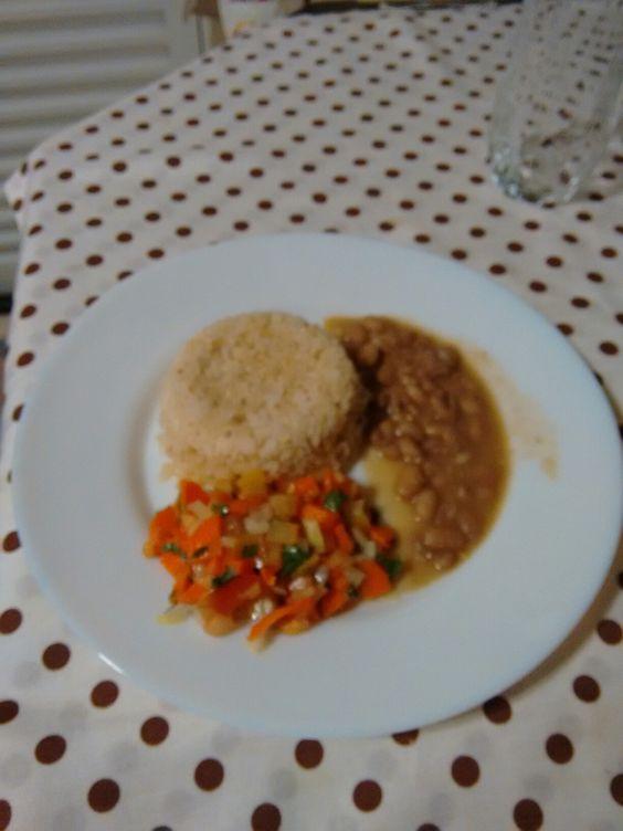 14.9.16 jantar- arroz integral, feijão e vinagrete de cenoura