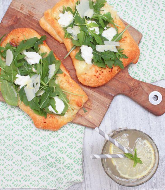 Weiße Pizza mit Rucola und Ricotta | whatinaloves.com