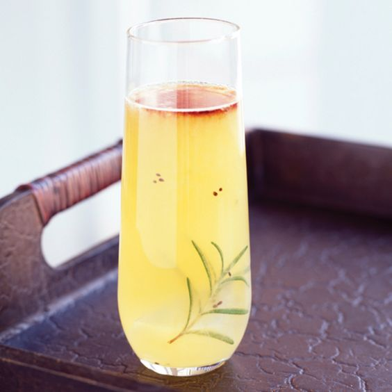 Ease your way on into fall with this tequila cocktail loaded with the natural flavors of orange juice, fig preserves, ginger and rosemary. It's like bringing the best of the outdoors into your glass—perfect for drinking alfresco.