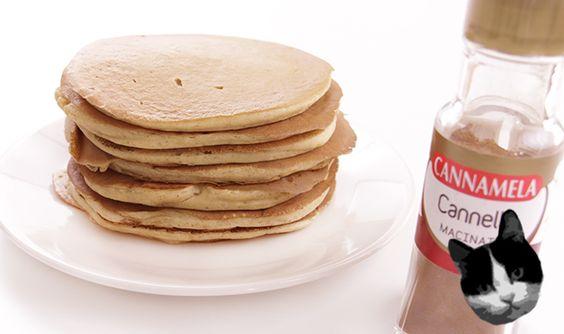 Ricetta dei pancakes yogurt e cannella. Ottima colazione per il periodo invernale o la mattina di Natale.  Link alla ricetta completa: http://www.incucinaconzecca.it/pancakes-yogurt-e-cannella