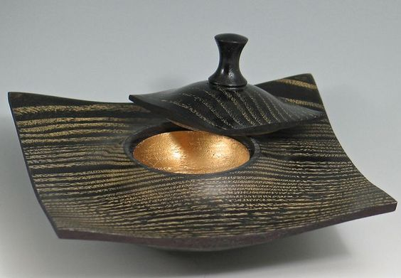 Black and gold lidded box [A Jimmy Clews project I've done in natural finish; I did the black with gold treatment on another piece. I highly reomment a class from Jimmy if you can get to Las Vegas, Nevada.]