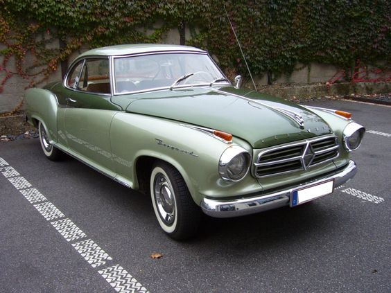 Borgward Isabella TS Coupe / A BMW Series 3 with different clothing