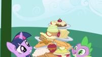 Apple Strudel, Apple Tart, Baked Apples, Apple Brioche, Apple Cinnamon Crisp... (My Little Pony: Friendship is Magic Season 1, Episode #1: Friendship is Magic Part 1)
