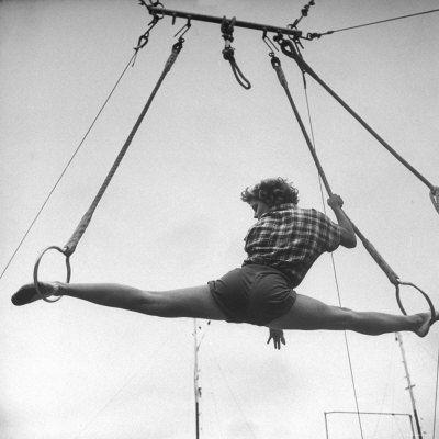 practice: Rings Vintage, Practice Splits, Student Circus, Splits Rings, Roman Rings, Rings Location, Performer Gale